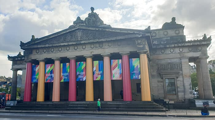The outside of the Scottish National Gallery in Edinburgh is free and one of the best reasons to move to Edinburgh
