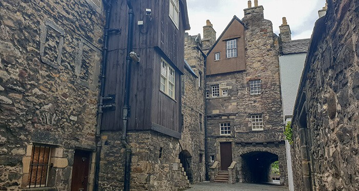 Bakehouse Close in Edinburgh - a little street used as a filming location for Outlander