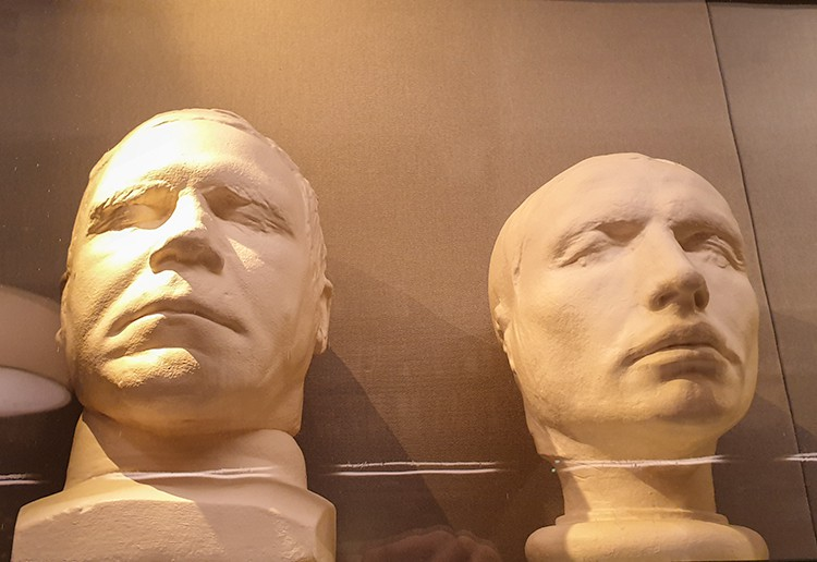 Death masks of William Burke and William Hare on the Burke and Hare Edinburgh Tour